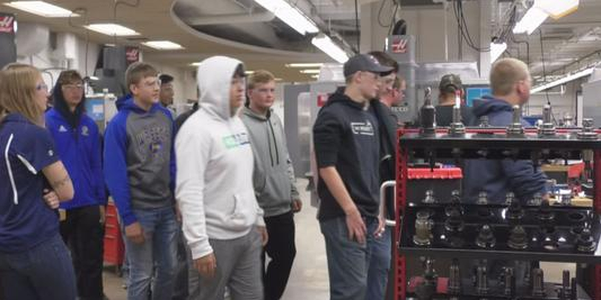 SCC's Tour of Manufacturing exposes many to the field