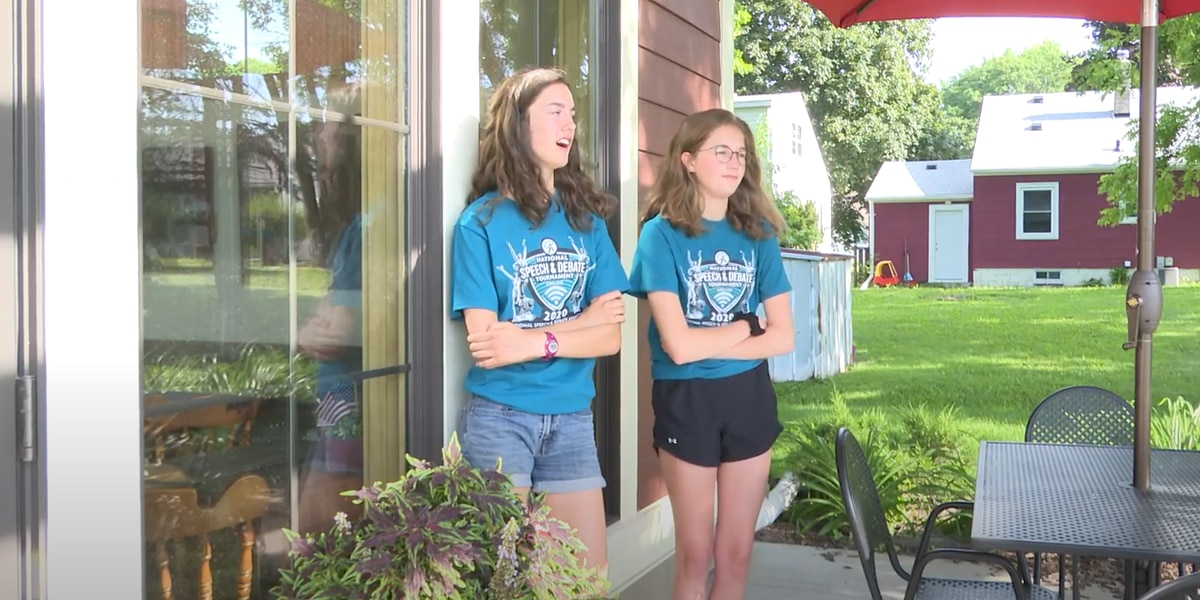 Local girls place on national speech stage