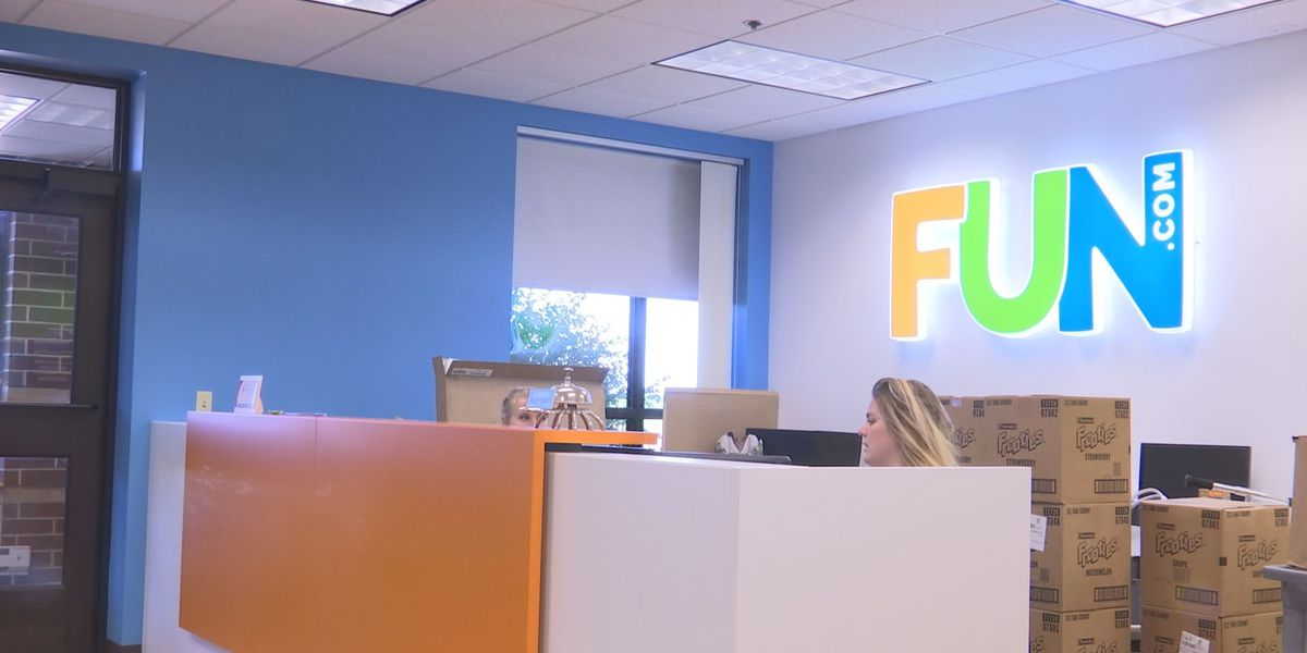 Fun.com looks to fill over 2000 seasonal positions