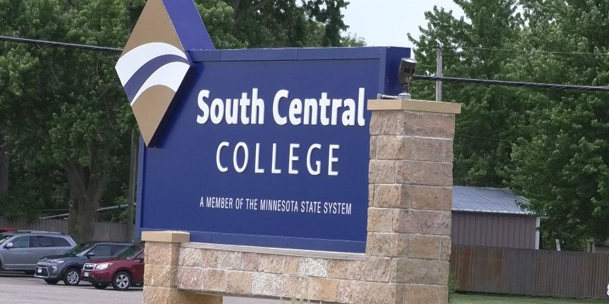 SCC hosts ribbon cutting to celebrate renovations