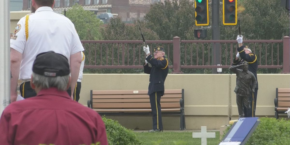 Area residents converge on City Center to honor fallen soldiers