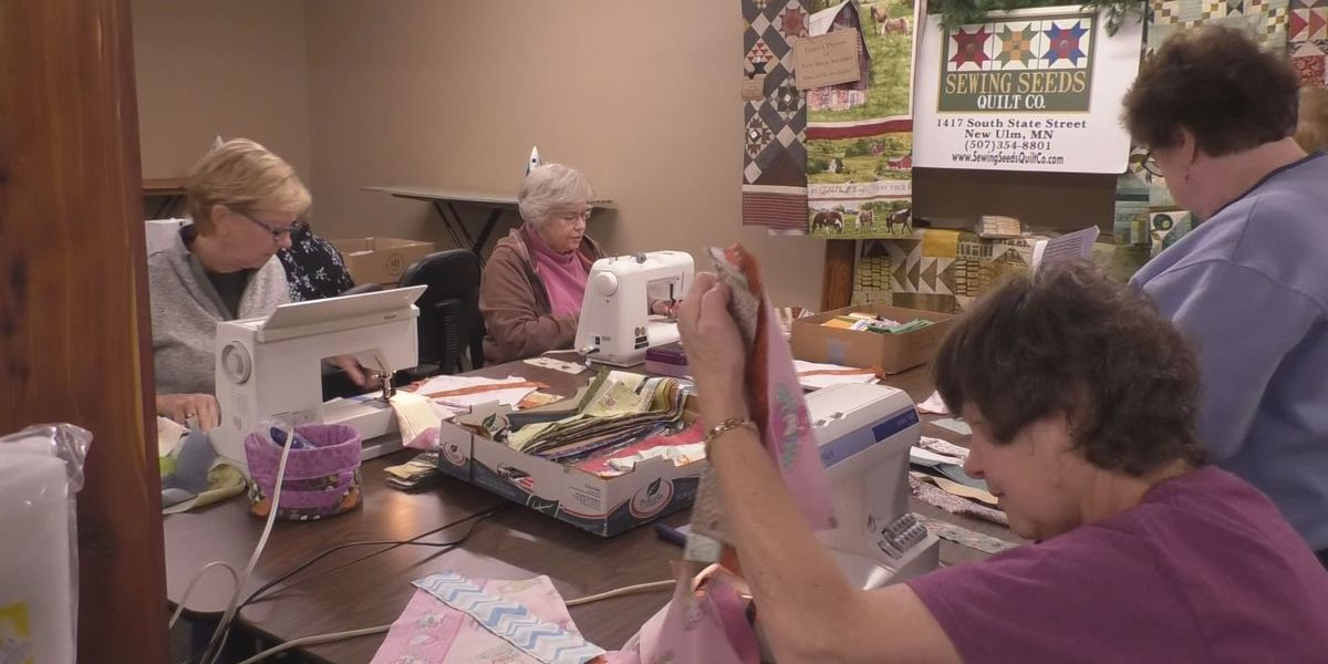 'Stitches for Hope' group brings comfort to cancer patients