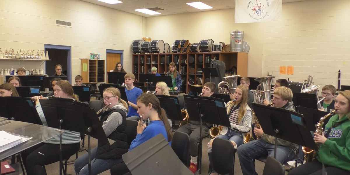Maple River Band highlights connection between fine arts, literacy