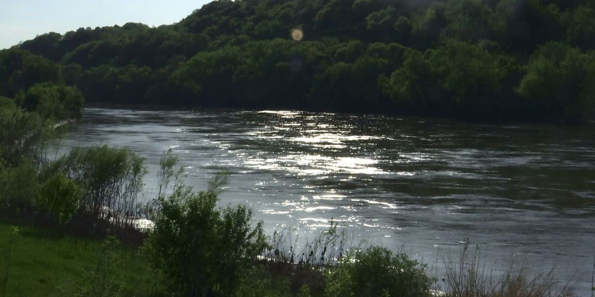 Search under way for missing boater on Minnesota River