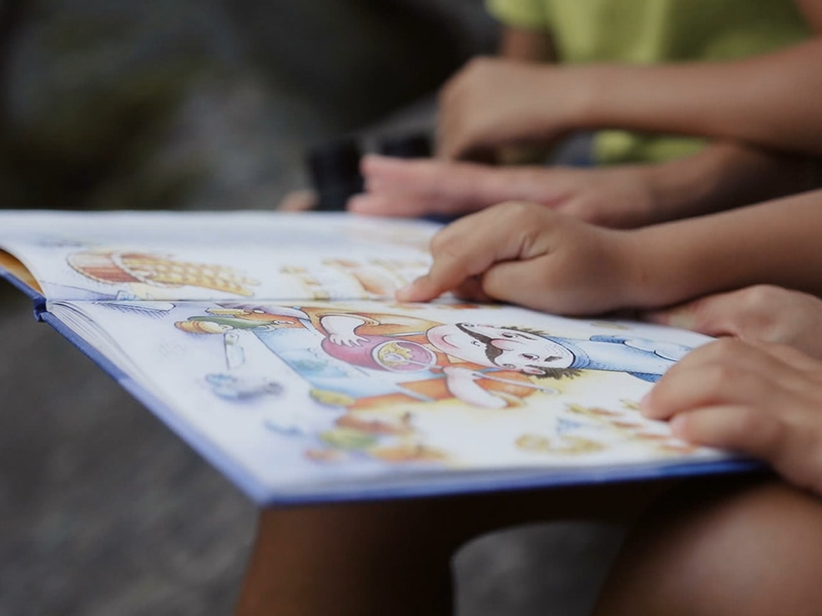 Reading cuts down on children's unnecessary screen time