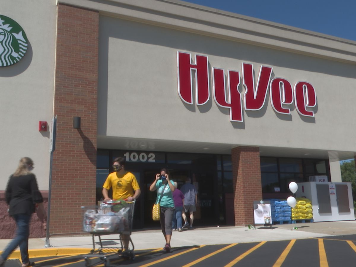 Hy-Vee paid out over $167 million in bonuses, other benefits to employees in 2020