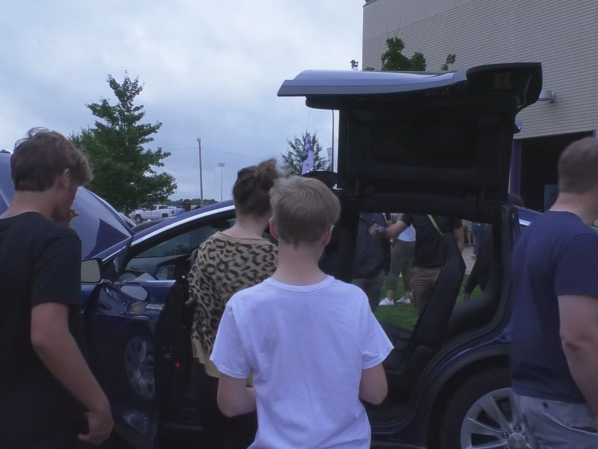 Recharge Mankato Event promotes electric cars
